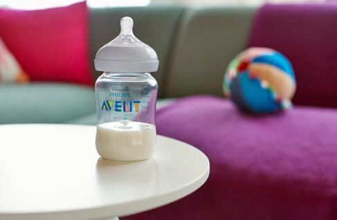 宝宝不乖乖喝奶怎么办?3种情况3种对策